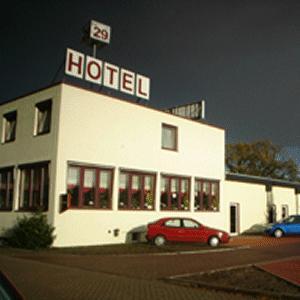 Hotel zur riede delmenhorst delmenhorst pensionhotel for Hotels in delmenhorst